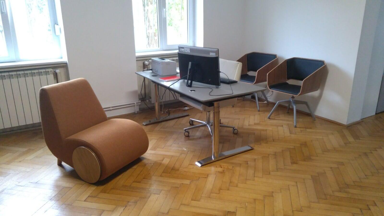 scaune si birou reglabil